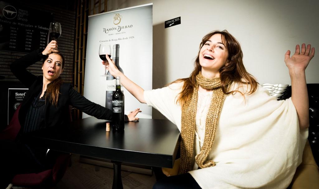 Sandra-Collantes-y-Cuca-Escribano-las-actrices-de-Chez-Moi-en-la-Sala-Ram#U00f3n-Bilbao-Edici#U00f3n-Limitada-2